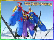 Les clownaskis, spectacle inédit en échasses à ski